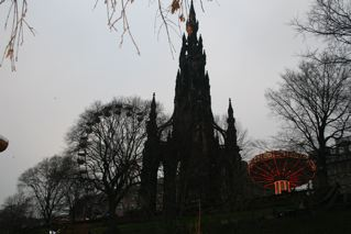 Edinburgh Monument at dusk